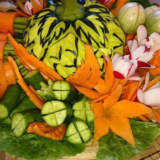 Obst-und Gemüseschnitzerei_1©LemonGras